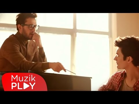 Oğuz Berkay Fidan feat. Murat Boz Olmuyor Official Video