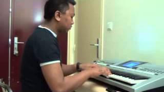 Iny hono izy ravorom bazaha (malagasy lullaby)