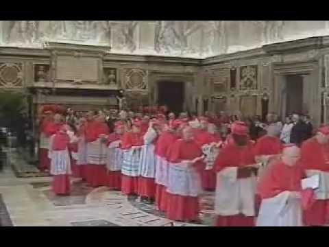 Velório de João Paulo II é aberto para visitação pública