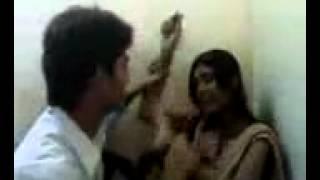 indian girl kiss hot video
