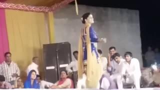 Sapna dance 2016 Gandaas hori h ...