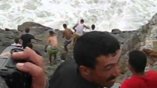 2011 عملية انقاذ غريق في شاطئ الناظور في بحر يسمى بويافار