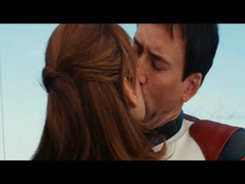 Eva Mendes Kiss