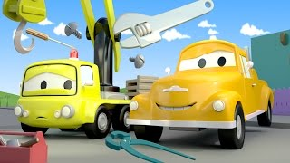 Tom The Tow Truck and Charlie the crane in Car City   Cars & Truck construction cartoon for children