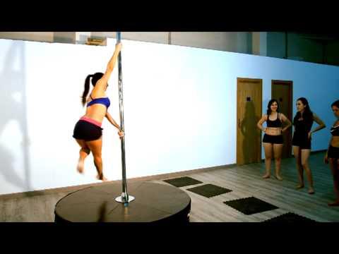 Lesly Aranda Clases de Pole dance