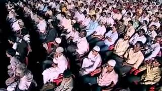 Hindi } Sri Sri Ravi Shankar Vs Dr Zakir Naik   Islam Or Hinduism Which Is True        YouTube