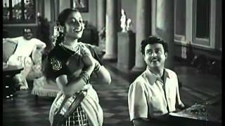 Gemini Ganesan Hits - Bhrindhavanamum HD Song