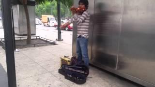 Ave Maria en violín, artista callejero
