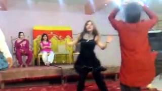 Nice Pashto Dance with Pashto Song