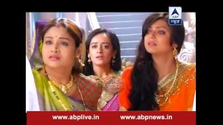 Rana ji gets slapped by Gayatri's mother for abusing Gayatri