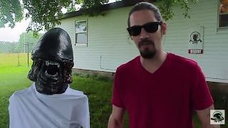 Alien versus KA-BAR SWABBIE! AlienGoBoom