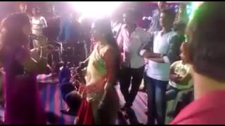WhatsApp funny video Indian stage singers Fight