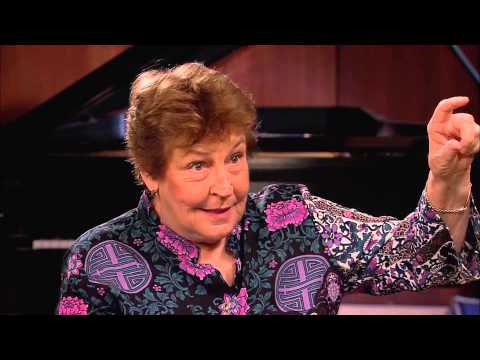 InnerVIEWS with Ernie Manouse Helen Reddy