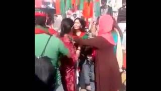 PTI Girls Road Mujra