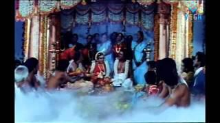 Veera Movie Songs : Madathille kanni madathile Song