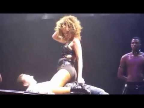 Xxx Mp4 Rihana Baile Erotico Con Un Fans 3gp Sex