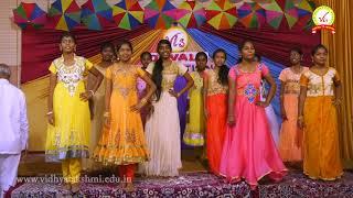 Jimikki Kammal dance by Grade 10 girls