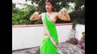 Chane Ke Khet Me.  (Local Girl Dancing)