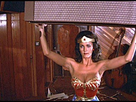 Wonder Woman vs Bad Guy Pied Piper Episode