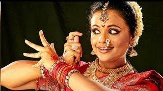 Classical Dancer Aditi Bhagwat Awarded With US Fellowship - Marathi News