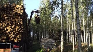 SISU Timber truck loading - Puutavara auton lastaus