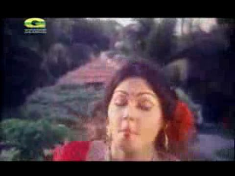 bengali actress nasrin funny song perfomence with funny face