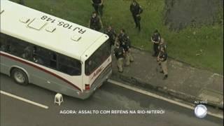 Exclusivo: criminosos fazem reféns em ônibus na Rio-Niterói