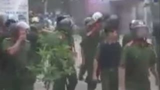 Bạo động ở Mỹ Đức, Hà Nội: Người dân chống trả công an, cảnh sát cơ động