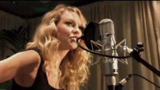 Taylor Swift - Our Song - Live The Engine Room