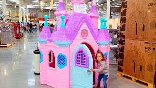 Disney Princess Play Castle Toys / Fun in the Store