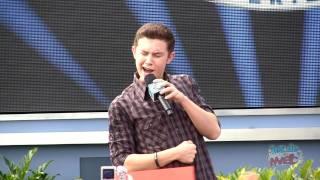 American Idol Scotty McCreery sings
