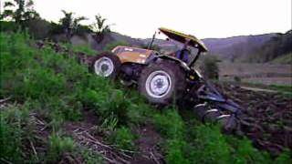 Trator Valtra A750 Turbo. Arrando Terra.. ( Jacioni Debarba ).