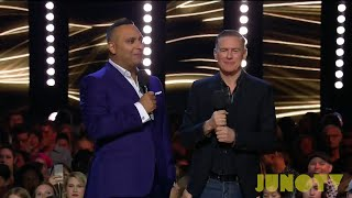 Russell Peters & Bryan Adams Open The 2017 JUNO Awards