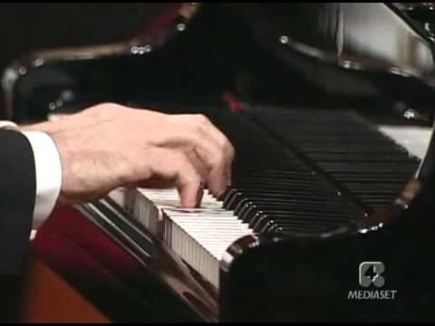 Mozart Piano concerto n. No. 21 in C major K.467 Pollini Muti