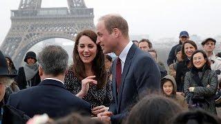 Prens William annesi Prenses Diana'nın hayatını kaybettiği Paris'te