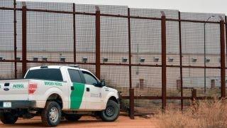 Using inmates to build Trump's border wall