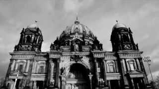 AZUL Y NEGRO - BERLIN