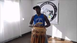 film gia atabaque ritmo capoeira