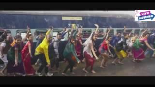 SHRADDHA KAPOOR AND TIGER SHROFF DANCING ON RADA RADA MARATHI SONG.