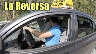 Cómo Conducir un Auto en Reversa /CLASES DE MANEJO/Rolando Cb/AUTOS