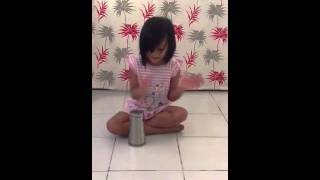 5 year old kid doing the Cup Song Pitch Perfect