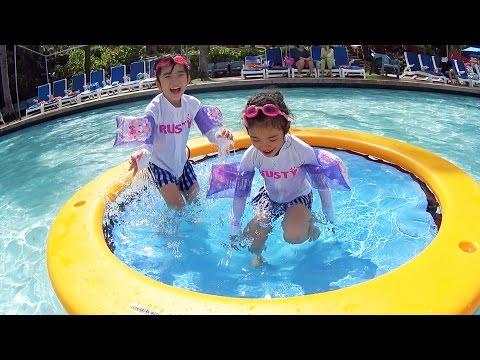 Xxx Mp4 Kan Aki Dan Saya Bermain Di PIC Water Park ♪ 3gp Sex