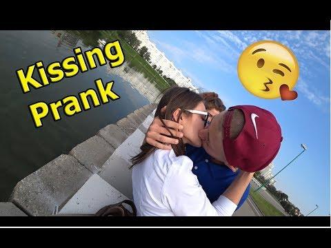 Xxx Mp4 РАЗВОД НА ПОЦЕЛУЙ Kissing Prank SEX PRANK х ПОЦЕЛУЙ С НЕЗНАКОМКОЙ Влад Лазовик 3gp Sex