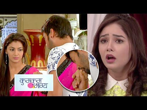 Abhi Kisses Pragya's Hand In Front Of Tanu | Kumkum Bhagya | Zee Tv