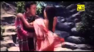 Bangla movie hot song   sona dana dami gohona Riaz & shabnur   YouTube
