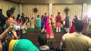 Fahad & Hadiqa Mehndi Dance