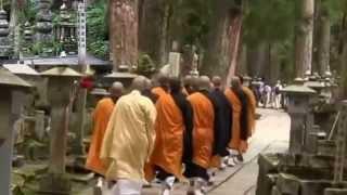 Japan Trip: lentera batu dan Makam di jalur Peziarah ke Kuil Okunoin di Wakayama19