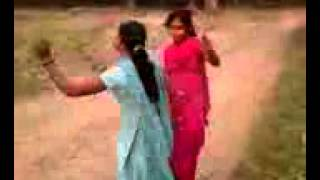 Villages girls dance by Hindi song.3gp