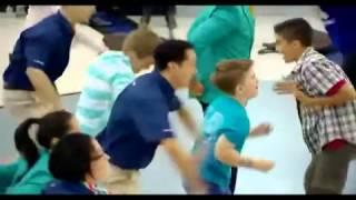 pashto garam dance in Dubai airport - YouTube