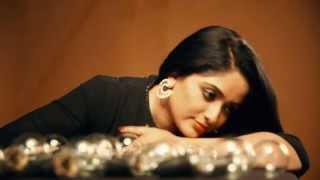 Kavya Madhavan In Vanitha Cover - Making Video